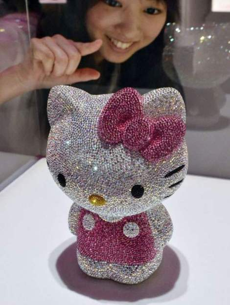 Hello-Kitty-Swarovski-studded-Hello-Kitty-dream-clowd
